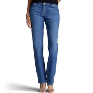 Women's Lee Classic Fit Straight Leg Jeans !!!